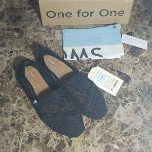 Brand New! Toms Classic Crochet Slip-on